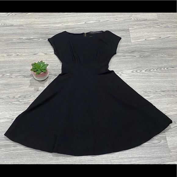 kate spade Dresses & Skirts - Kate Spade ♠️ Broom Street black dress